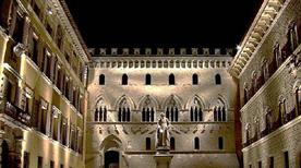 Palazzo Salimbeni - >Siena