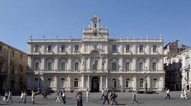 Palazzo dell'Università - >Catania