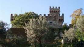 Castello di Vincigliata - >Fiesole