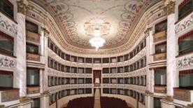 Teatro dei Rinnovati - >Siena