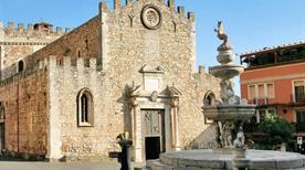 Fontana - >Taormina