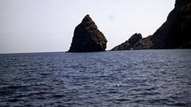 Faraglione di Punta Tracino - >Pantelleria