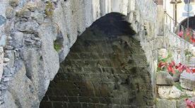 Ponte di Pietra - >Aosta