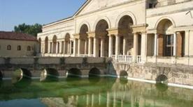 Casa di Amore e Psiche - >Rome