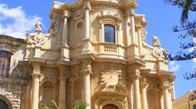 Chiesa di S. Domenico - >Noto