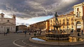 Piazza del Duomo - >L'Aquila