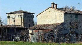 Torrione di Beneceto - >Parma