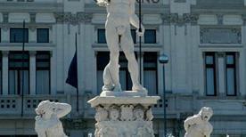 Fontana del Nettuno - >Messina
