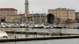 Ex Faro La Lanterna - >Trieste