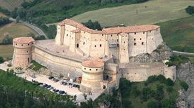 Castello di Cagliostro - >San Leo