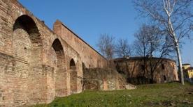 Bastioni e Mura - >Piacenza