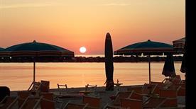 Bagno Gino 59 60 - >Bellaria-Igea Marina
