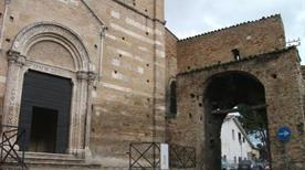 Porta San Domenico - >Atri