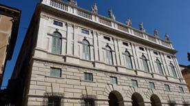 Palazzo Canossa  - >Verona