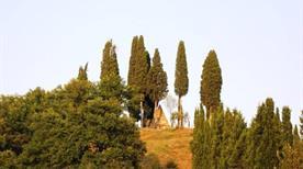 Piramide di Montaperti - >Castelnuovo Berardenga