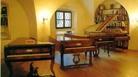 Museo del Pianoforte Antico - >Ala