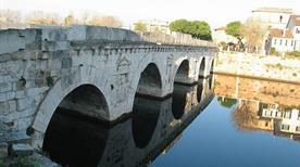 Ponte di Tiberio - >Rimini