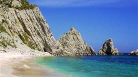 Spiaggia delle Due Sorelle  - >Sirolo