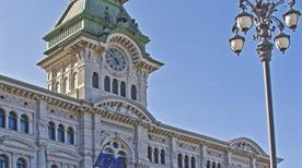 Palazzo del Municipio - >Trieste