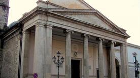 Cattedrale di San Pietro Apostolo - >Isernia