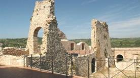 Castello d'Evoli Diroccato - >Castropignano