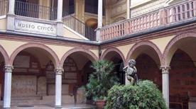 Museo Civico Archeologico - >Bologna