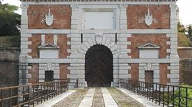 Porta San Zeno - >Verona