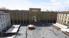 Piazza della Repubblica - >Firenze