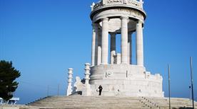 Monumento ai Caduti - >Ancona