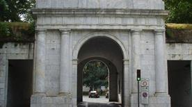 Porta Elisa - >Lucca
