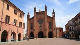 Piazza Risorgimento - >Alba