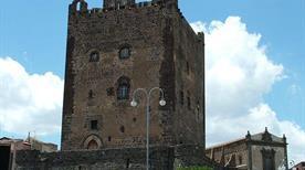 Castello di Adrano - >Adrano