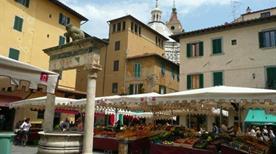 Piazza della Sala - >Pistoia