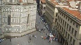Piazza del Duomo - >Firenze