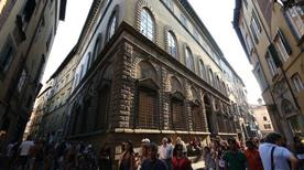 Palazzo Cenami - >Lucca
