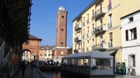 La torre dell'orologio - >Comacchio