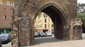 Porta San Vitale - >Bologna