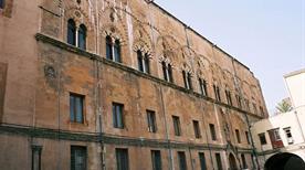 Palazzo Sclafani - >Palermo