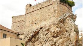 castello  - >Pietra Ligure