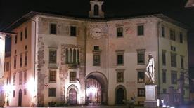 Palazzo dell'orologio Torre del Conte Ugolino - >Pisa