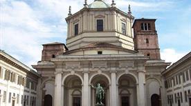 Basilica di San Lorenzo - >Milano