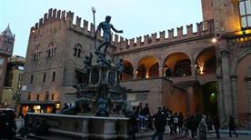 Fontana del Nettuno - >Bologna