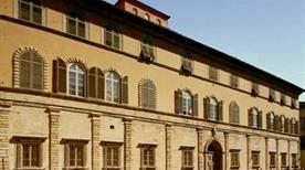Palazzo Bernardini - >Lucca