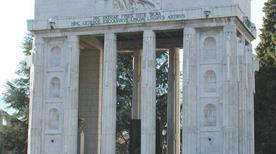 Monumento alla Vittoria - >Bolzano