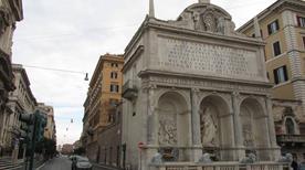 Fontana dell'acqua Felice - >Rome