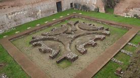 Palatino: Domus Augustana - >Rome
