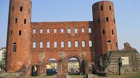 Porte Palatine - >Turin