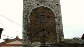 Torre Porta Romana - >Gubbio