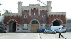 Porta Vescovo - >Verona