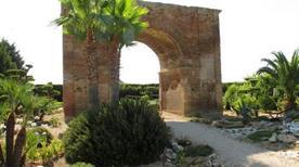 Arco Traiano - >Canosa di Puglia